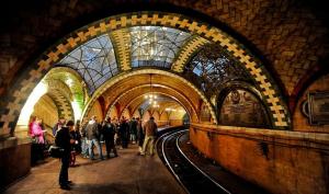 New York underground gallery